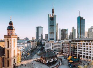 how to learn german easily - frankfurt skyline - busuu blog
